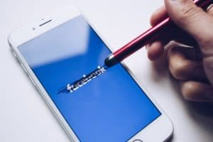 LinkedIn Ads vs Facebook Ads - wo liegt der Unterschied?
