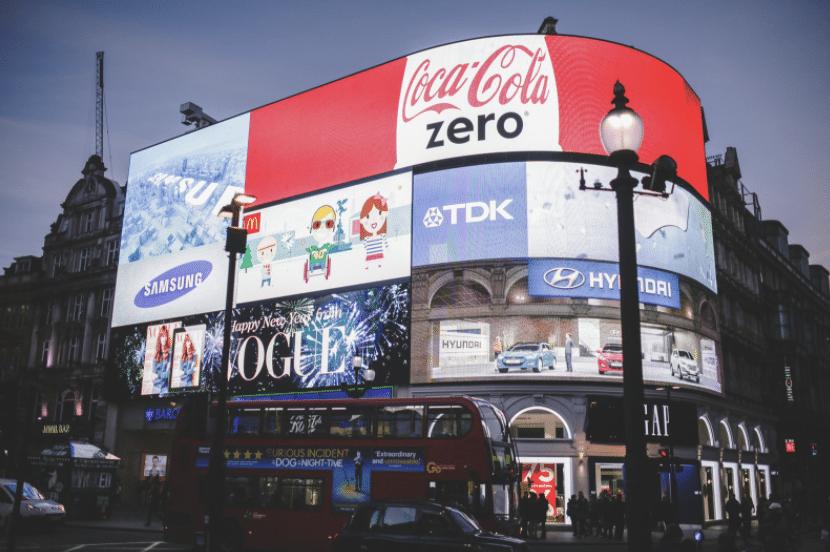 Werbung am Piccadilly Circus